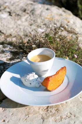 Рецепт Тыквенный суп с ломтиками тыквы и рикоттой