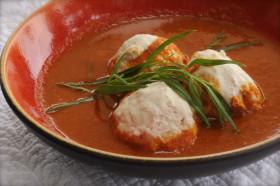 Рецепт Куриные фрикадельки с соусом из гаспачо